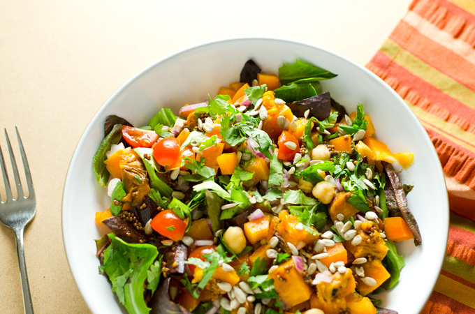 Baked Sweet Potato Green Salad | VeggiePrimer.com