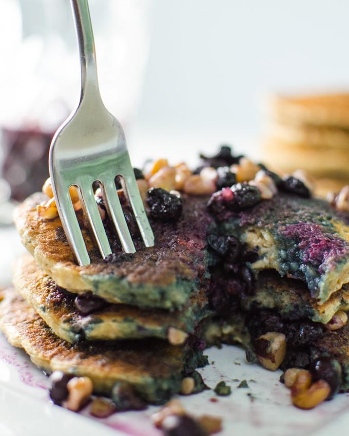 oatmeal chia pancakes with blueberry walnut syrup | VeggiePrimer.com