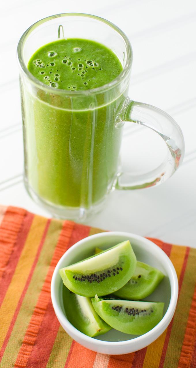 basil kiwi smoothie