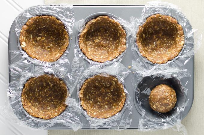 raw peanut butter crust | VeggiePrimer.com