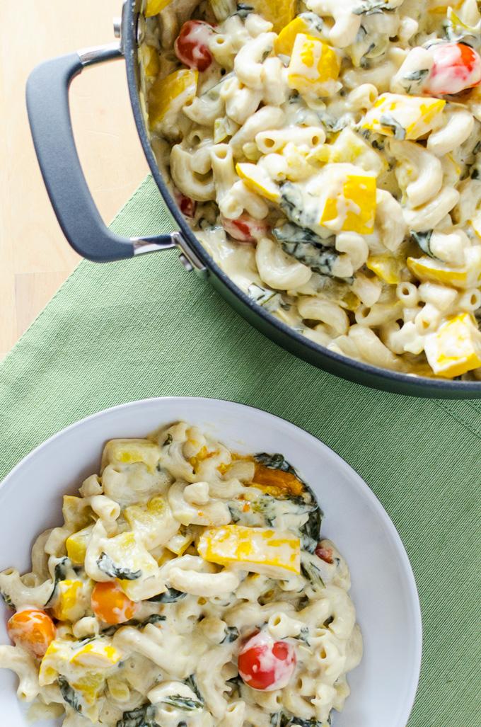 Veggie Pasta Alfredo - vegan and gluten-free | VeggiePrimer.com