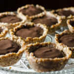 Mini Raw Chocolate Chia Pudding Pies | VeggiePrimer.com