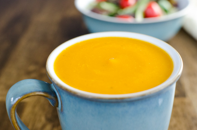 Ginger Butternut Carrot Soup - this simple vegan gluten-free recipe can be made in three easy steps - takes about 30 minutes to prepare from start to finish |VeggiePrimer.com