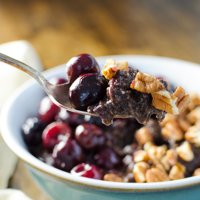 Quick Chocolate Cherry Oatmeal - this easy vegan and gluten-free breakfast recipe is full of nutrient dense ingredients - cooked banana and warmed cherries add just the right amount of natural sweetness. | VeggiePrimer.com