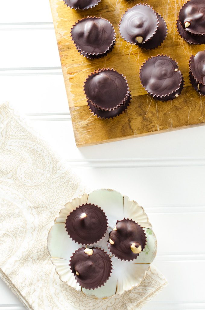 Homemade Chocolate Ginger Cashew Clusters - this gluten-free vegan candy recipe will satisfy your chocolate cravings without increasing your cane sugar intake. It's also super quick and easy to prepare!   VeggiePrimer.com