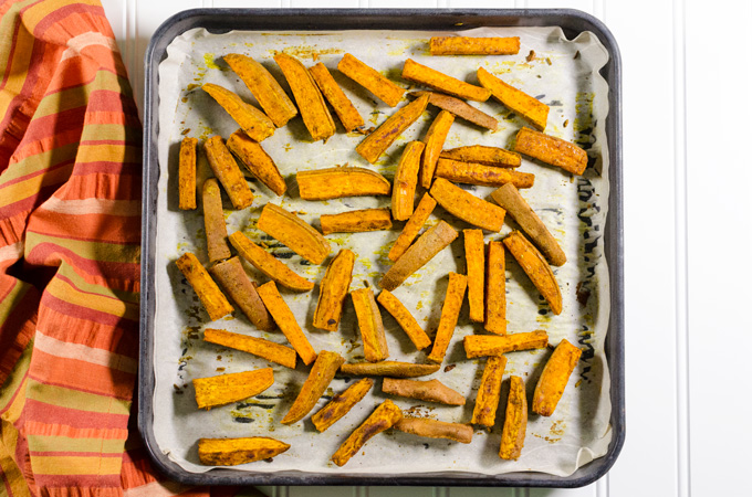 Curried Baked Sweet Potato Fries - sweet curry powder adds a lovely ...
