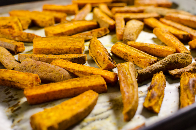 Curried Baked Sweet Potato Fries Sweet Curry Powder Adds A Lovely Aromatic Dimension To This