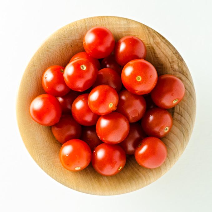 Tomato Eggplant Quinoa Bowl - this vegan gluten-free recipe is a quick and easy way to use garden veggies   VeggiePrimer.com