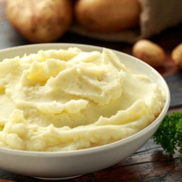 bowl of garlic mashed potatoes
